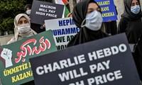 Istanbul: manifestation contre la publication des caricatures de Mahomet par Charlie Hebdo