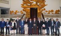 Nguyên Xuân Phuc reçoit des ambassadeurs et investisseurs européens