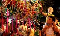 Hanoi : le vieux quartier célèbre la fête de la mi-automne