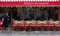 Covid-19 : Paris ferme ses bars pendant au moins 15 jours