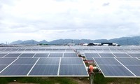 Inauguration de la plus grande centrale solaire d'Asie du Sud-Est
