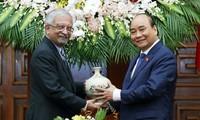 Nguyên Xuân Phuc reçoit Kamal Malhotra