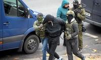 Bélarus: plus de 800 arrestations durant les manifestations d'opposition