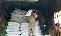 Le gouvernement fournit du riz aux provinces sinistrées