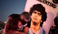 L'Argentine pleure son enfant en or: trois jours de deuil national pour Maradona