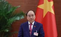 Thongloun Sisoulith félicite Nguyên Xuân Phuc