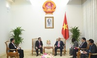 Nguyên Xuân Phuc reçoit l'ambassadeur des Philippines