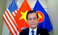 Entretien téléphonique entre l'ambassadeur Hà Kim Ngoc et le député Joaquin Castro