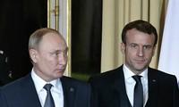 Ukraine: Emmanuel Macron s'entretient avec Vladimir Poutine