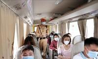 Le Vietnam durcit le contrôle préventif anti-Covid-19 via les moyens de transports