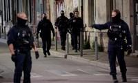 Policier tué à Avignon: une femme soupçonnée d'être la cliente du dealer recherché a été placée en garde à vue