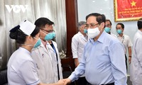 Covid-19: Pham Minh Chinh encourage les médecins