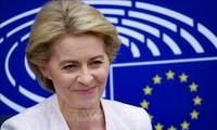 Ursula von der Leyen en tournée pour défendre le plan de relance européen