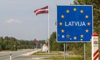 La Lettonie et la Lituanie réagissent en urgence face à l'afflux de migrants venus de Biélorussie