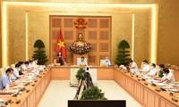 Pham Minh Chinh rencontre les responsables de la commission centrale de sensibilisation