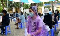 Covid-19: Hanoï effectue des tests de dépistage PCR sur treize groupes à risque élevé