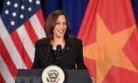 Kamala Harris donne une conférence de presse sur sa visite au Vietnam