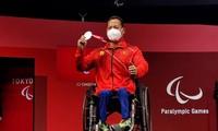 Jeux Paralympiques de Tokyo: une médaille d'argent pour l'haltérophile Lê Van Công