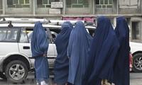 Afghanistan: le nouveau gouvernement taliban inclura  des femmes