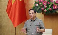 Pham Minh Chinh préside une réunion de la Direction nationale anti-Covid-19