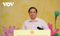 Pham Minh Chinh inaugure un programme en faveur des élèves et étudiants dans le besoin