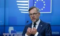 Crise des sous-marins: l'UE se montre prudente