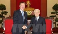 Руководители Вьетнама приняли премьер-министра Великобритании Дэвида Кэмерона