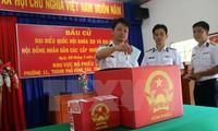 Проведение раннего голосования для офицеров и военнослужащих на платформах «ДК-1»