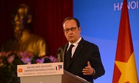 Франсуа Олланд посетил Ханойский государственный университет