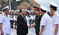 Нгуен Суан Фук: Вьетнам решительно настроен защищать свой суверенитет над морем и островами