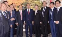 Нгуен Суан Фук принял председателя Общества южнокорейско-вьетнамской дружбы