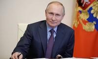 Президент РФ Владимир Путин сделал прививку от коронавируса