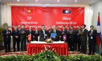 Việt Nam – Lào thống nhất tiếp tục tìm kiếm cho đến khi không còn thông tin về nơi an táng liệt sĩ