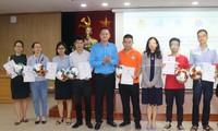 100 tập thể và cá nhân được trao giải cuộc thi đi bộ vì sức khỏe