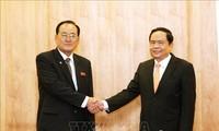 Chủ tịch Ủy ban Trung ương Mặt trận Tổ quốc Việt Nam  tiếp Đoàn đại biểu Tổng Đồng minh Chức nghiệp Triều Tiên