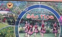 Sắc hoa tháng 10 nở rộ tại không gian văn hóa các dân tộc Việt Nam