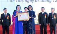 Phó Chủ tịch nước Đặng Thị Ngọc Thịnh dự Lễ kỷ niệm 40 năm Trường Đại học Y dược Cần Thơ