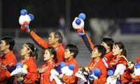Gặp mặt, trao thưởng Đội tuyển Bóng đá nữ quốc gia giành thành tích xuất sắc