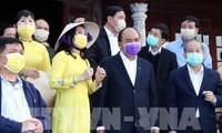Thủ tướng Nguyễn Xuân Phúc thị sát phòng chống dịch do virus Corona tại Thừa Thiên Huế