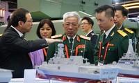 Đoàn đại biểu Bộ Quốc phòng Việt Nam làm việc tại Singapore