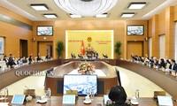 Ủy ban Thường vụ Quốc hội biểu quyết thông qua Nghị quyết sắp xếp đơn vị hành chính một số huyện, xã