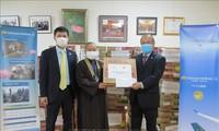 Đại sứ quán Việt Nam tại Nhật Bản hỗ trợ công dân gặp khó khăn vì dịch COVID-19