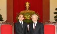 Raja Kamboja  Norodom Sihamoni  mengakhiri dengan baik kunjungan kenegaraan di Vietnam