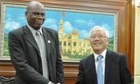 Pengumuman Program peringatan ultah ke-40 penggalangan hubungan diplomatik  Kerajaan Inggeris-Vietnam
