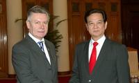 PM Vietnam Nguyen Tan Dung  menerima Komisaris Tinggi Perdagangan Uni Eropa
