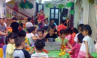 Anak-anak  memberikan pendapat kepada  Undang-Undang tentang Perlindungan Perawatan dan Pendidikan Anak-Anak