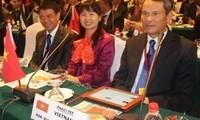 Delegasi Partai Komunis Vietnam menghadiri Kongres Partai UMNO Malaysia