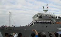 Barang dan bingkisan Hari Raya Tet  telah siap dibawa ke kabupaten pulau Truong Sa