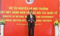 Memperkuat kerjasama internasional di bidang sumber daya alam dan lingkungan hidup