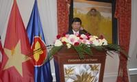 Memperingati Hari Nasional Vietnam di luar negeri